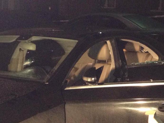 СРОЧНО! В Киеве расстреляли Mercedes: водитель погиб, двое детей в больнице
