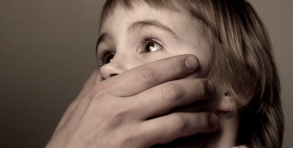 Будьте осторожны: у жителя Мариуполя прямо на улице отобрали ребенка