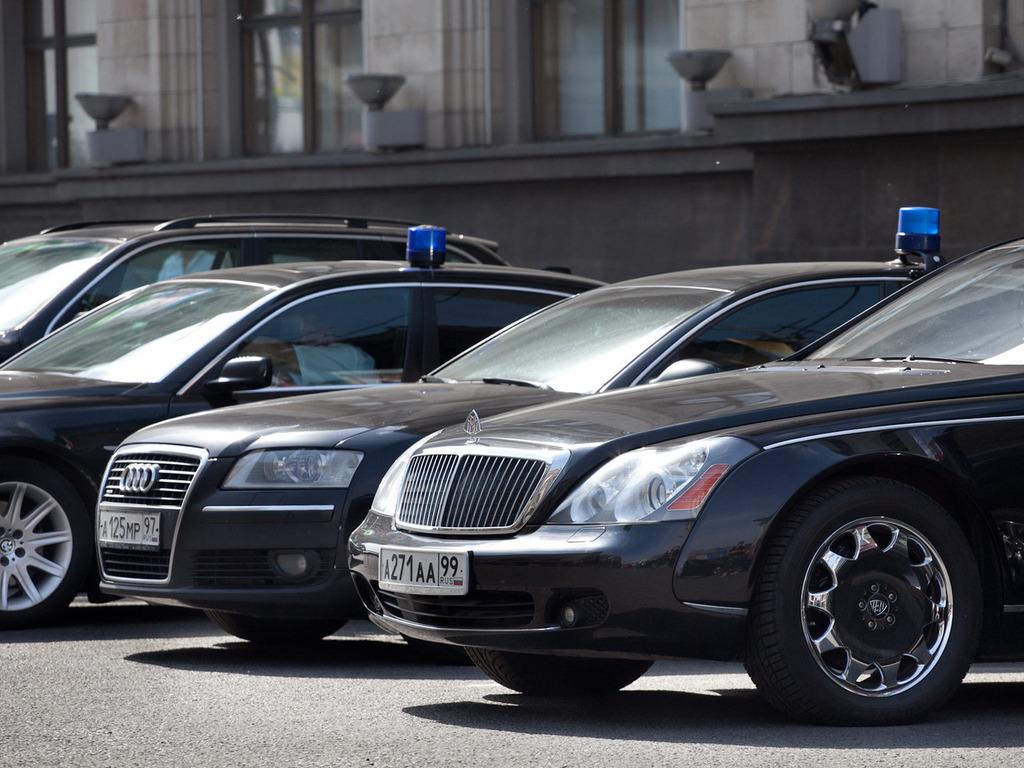 Сядьте, если стоите: стало известно, как сильно украинцам ударил по карманам автопарк чиновников. Сумма просто заоблачная