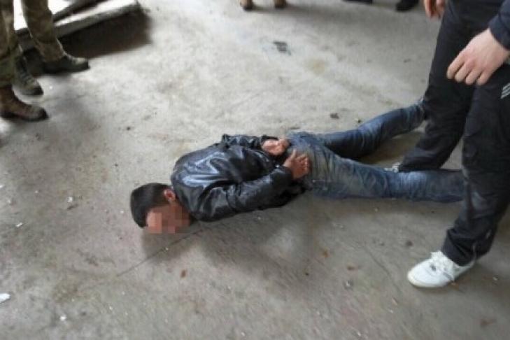 Начальник военного склада продавал взрывчатку