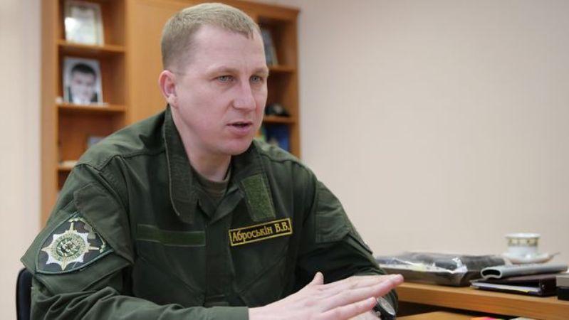Уже не угодил: Порошенко просят уволить недавно избранного председателя Нацполиции Вячеслава Аброськина. Известна причина