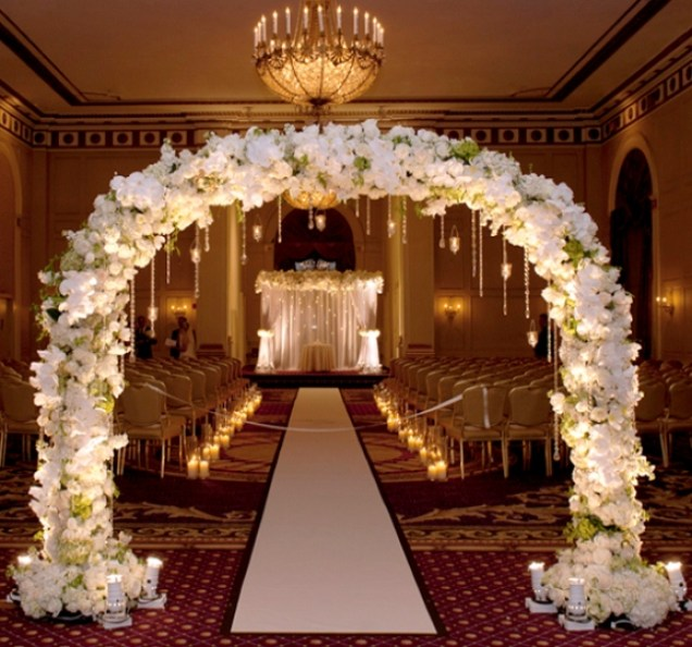 Самая дорогая свадьба в Украине: платье ИЗ ЗОЛОТА, элитные авто, нереальная роскошь. Сеть в шоке (ВИДЕО)