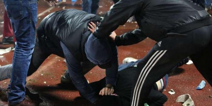 Там была лужа крови: трое парней жестоко избили известного депутата и полицейского