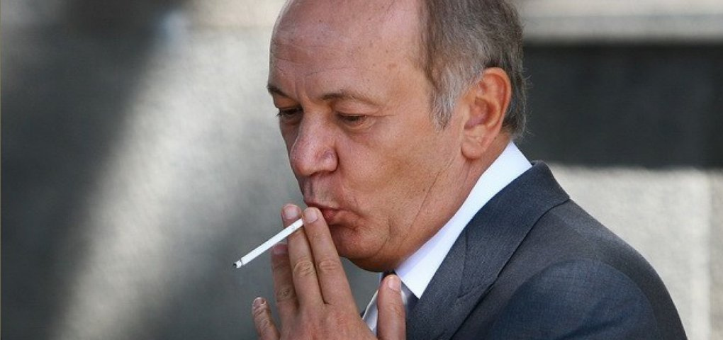 Совет ЕС снял санкции с Иванющенко