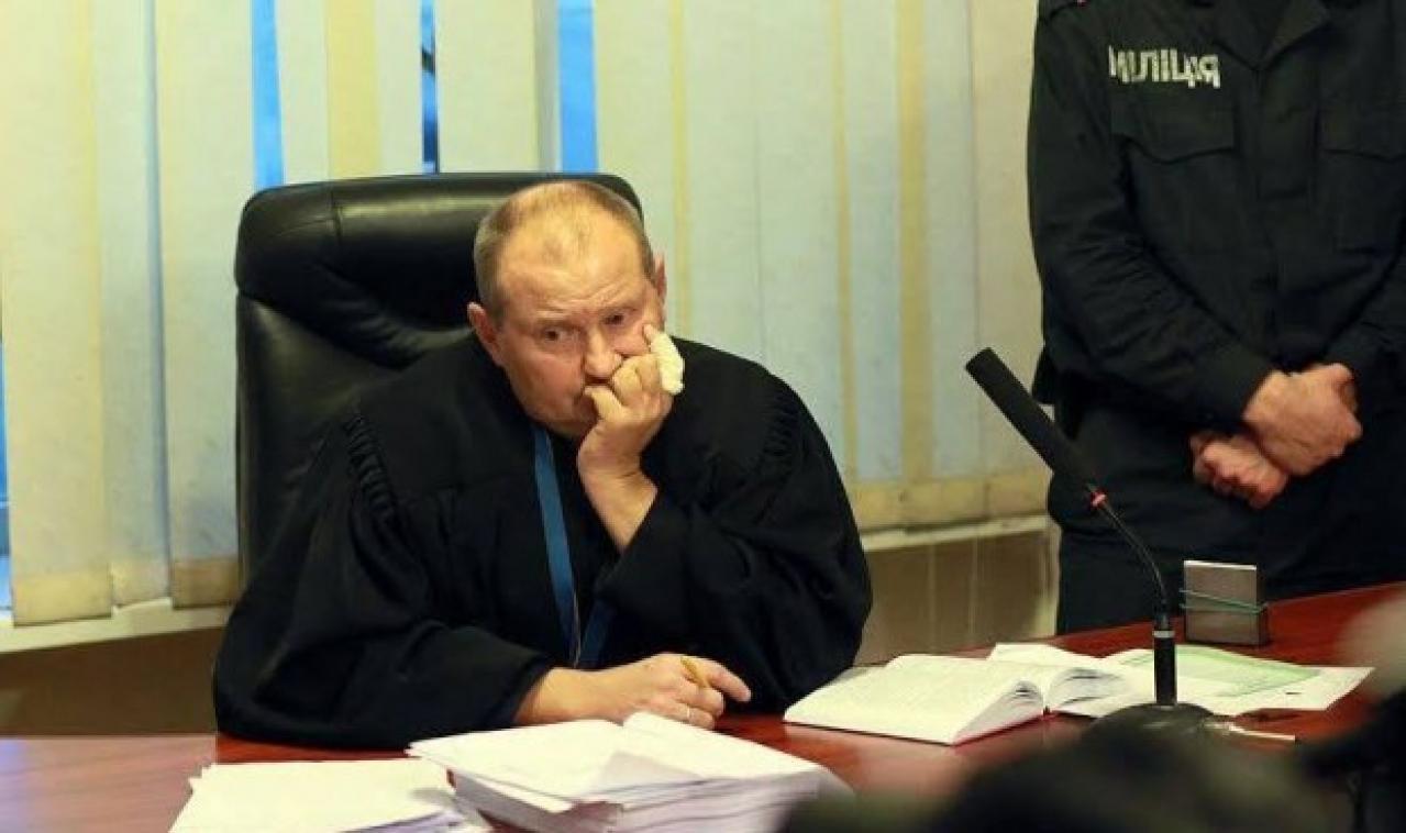 Попался, голубчик: скандального судью Чауса наконец поймали. Детали впечатляют