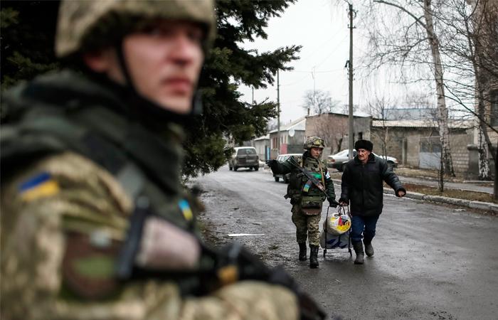 В ДНР вербуют подростков для войны с украинскими военными