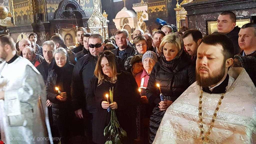 Об этом все говорят: то, что сделала вдова Вороненкова на похоронах навело ужас на всех присутствующих