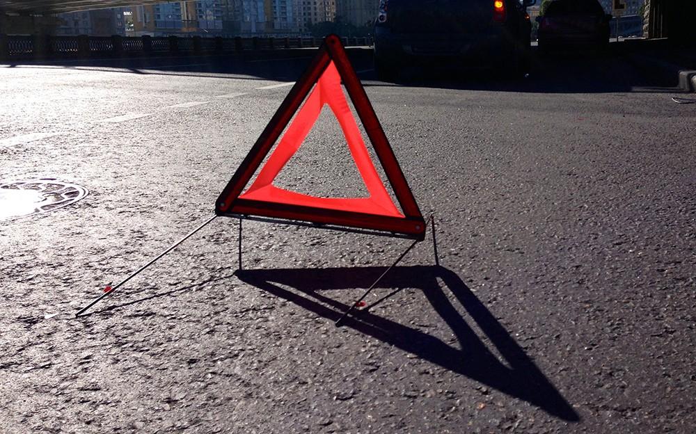 Стыд..:Пьяный чиновник сбил столп электроопор в Суммах (ФОТО)