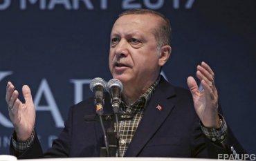 Резкое заявление: Эрдоган обвинил Меркель в нацизме