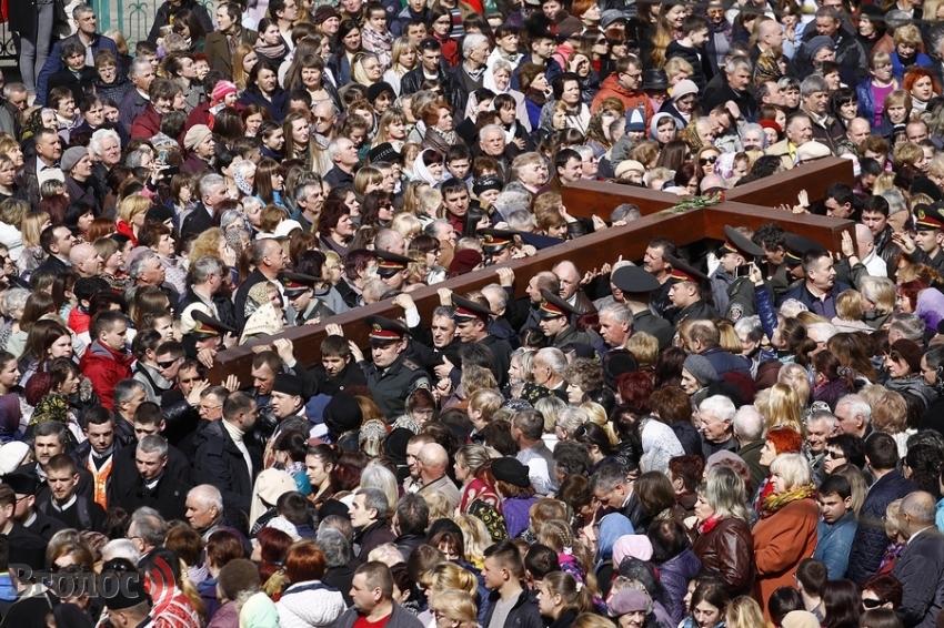 По улицам Львова прошел самый масштабныйКрестный ход (ФОТО)