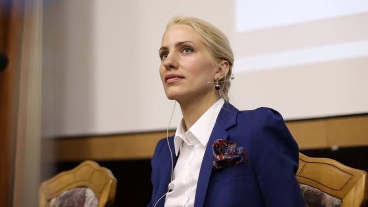 Депутат Залищук показала квартиру и рассказала, как живет на 12 тысяч
