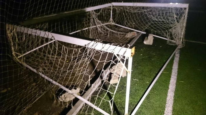 Родители, будьте крайне осторожны! Ребенок трагически погиб под футбольными воротами (ФОТО + 18)