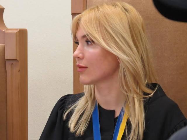 shikarni_maetki_ta_lyuksovij_avtopark_glamurno_suddi_oksani_tishenko