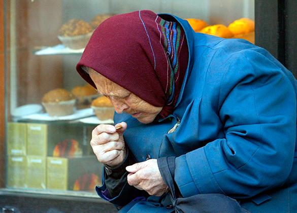 ТОЛЬКО ПРЕДСТАВЬТЕ: у пенсионеров хотят отобрать право роспоряджатись СОБСТВЕННОЙ ПЕНСИЕЙ