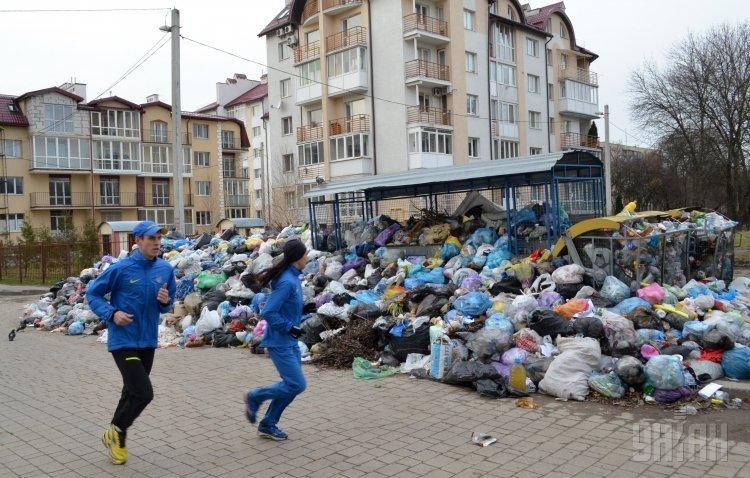Мусорный апокалипсис во Львове: вывезут ли мусор из города к Пасхе?