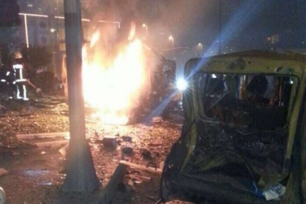 Вся страна в трауре… Просто возле храма произошел масштабный взрыв, эти фото потрясли весь мир (ФОТО)
