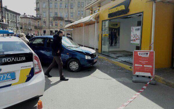 Во Львове произошла страшная ДТП, есть пострадавшие