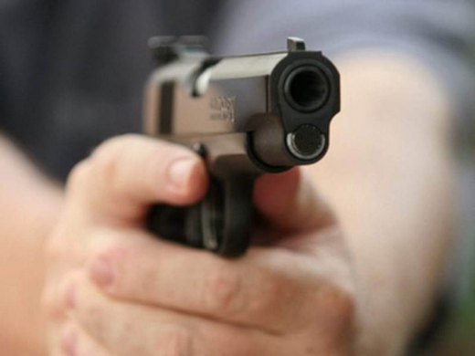На Закарпатье злоумышленник расстрелял автомобиль: пострадал ребенок