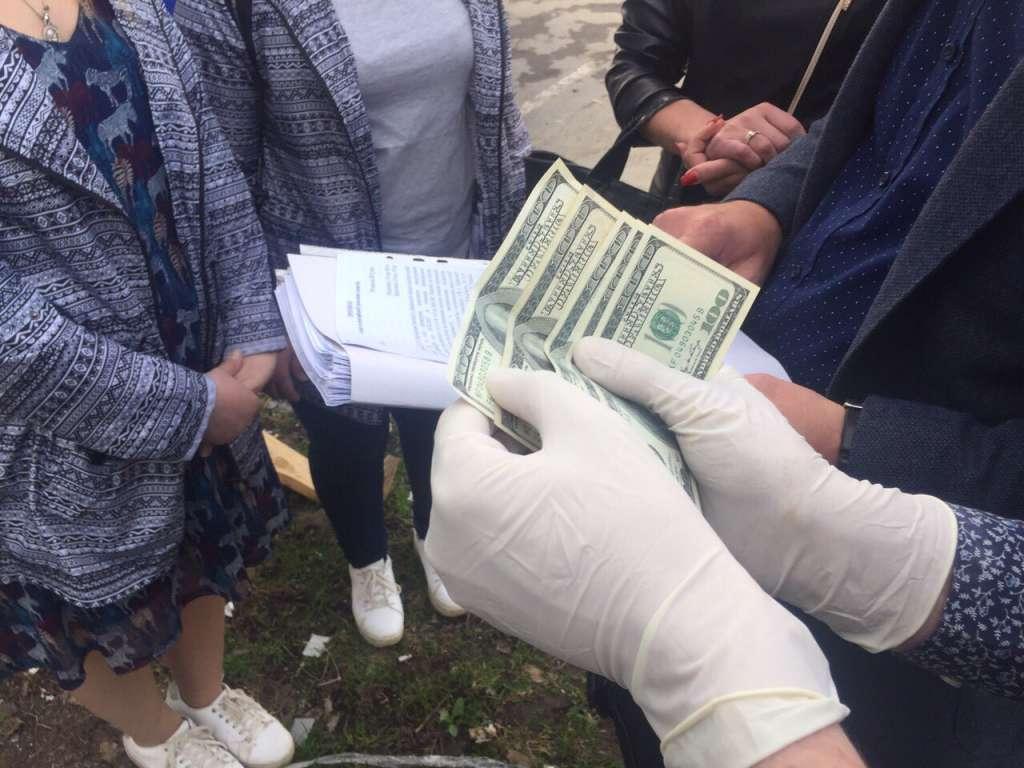 Во Львове задержали скандального чиновника на взятке! (ФОТО)