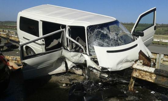 Авто превратилось в груду металлолома: Шокирующее ДТП, которое подняло на уши всю Украину. Есть погибшие!