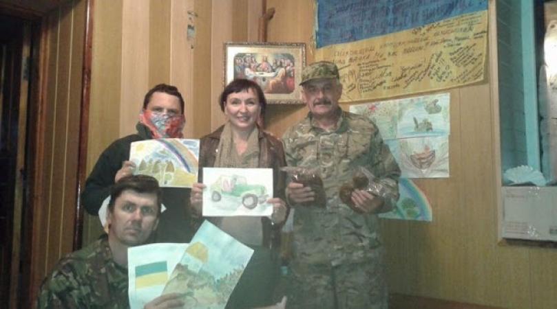Шокирующая ответ украинской волонтерки на письмо брата-российского офицера. Не удержать слез от ее слов(18+)