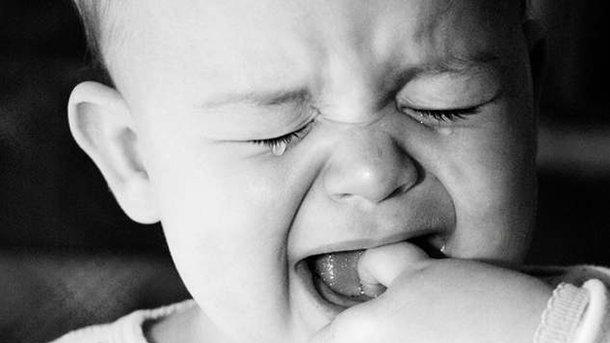 Какая НЕСЛЫХАННАЯ жестокость: Мать выбросила младенца с окна….От подробностей язык отнимает