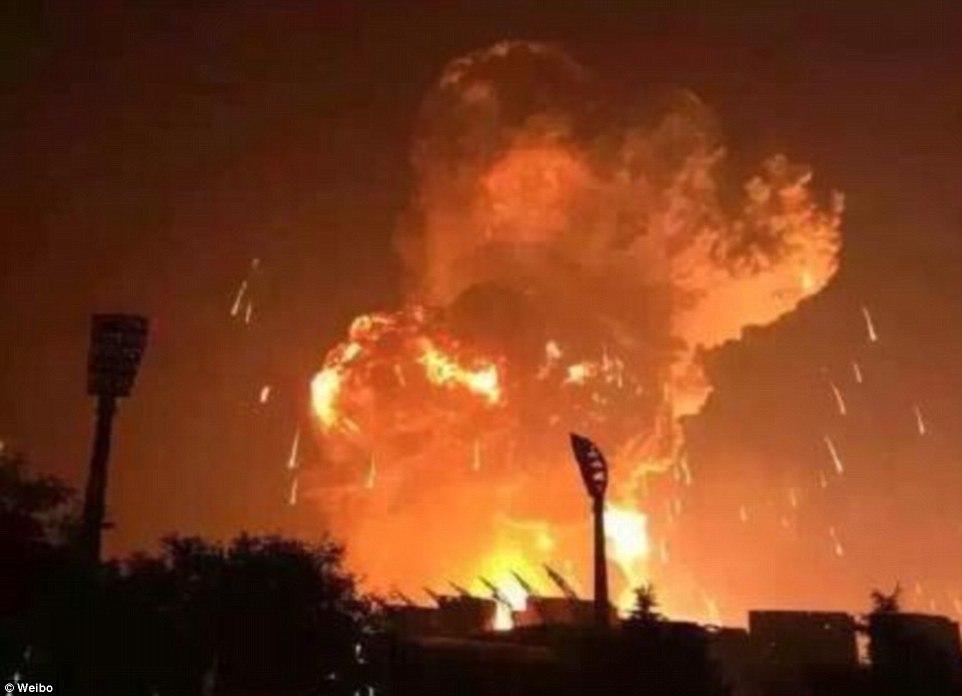Сверхмощный взрыв потряс город: есть пострадавшие