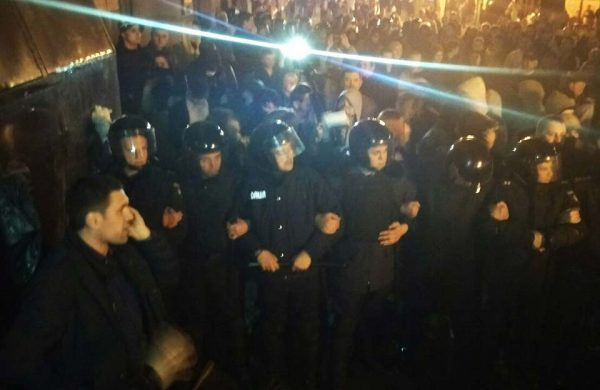 СРОЧНО!!! Полиция жестоко избила протестующих в Киеве, такого Украина еще не видела (ВИДЕО 18+)