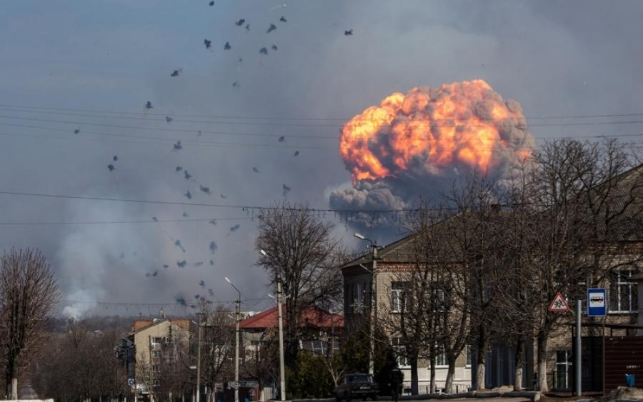 СРОЧНО!!! В Нежине произошел масштабный взрыв, дым охватил весь город