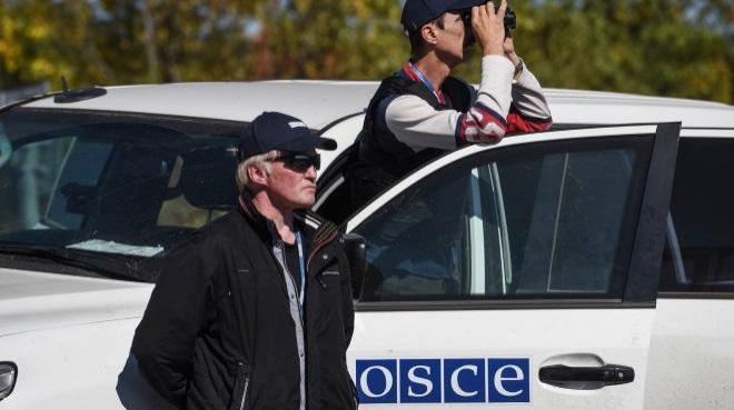 СРОЧНО! В Луганске взорвали машину ОБСЕ