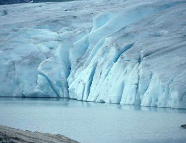 Ужасная трагедия! 10 туристов ушли под лед! От деталей мороз по телу!