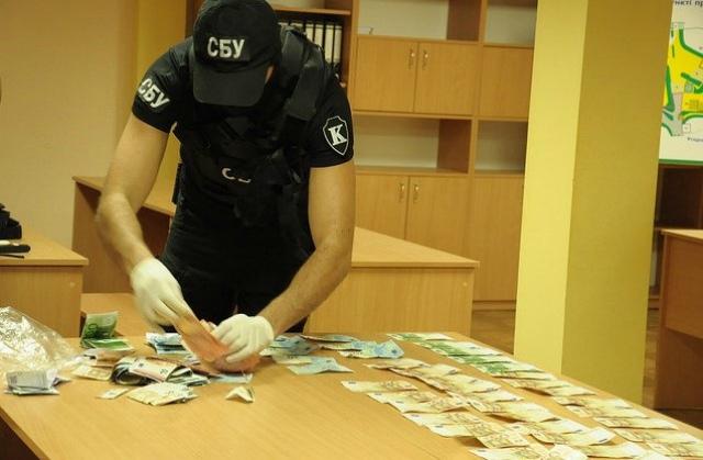 Прокуратура разоблачила инспектора-взяточника, который «грабил» предприятия