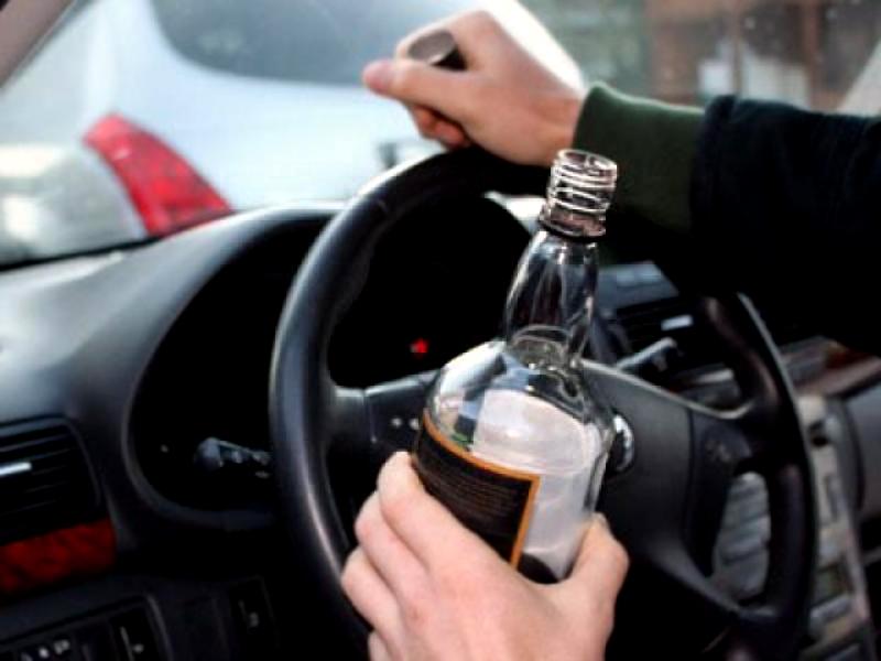 Вот негодяй!!! В Киеве «поймали» скандального дипломата пьяным за рулем, то, что сделали правоохранители потрясает