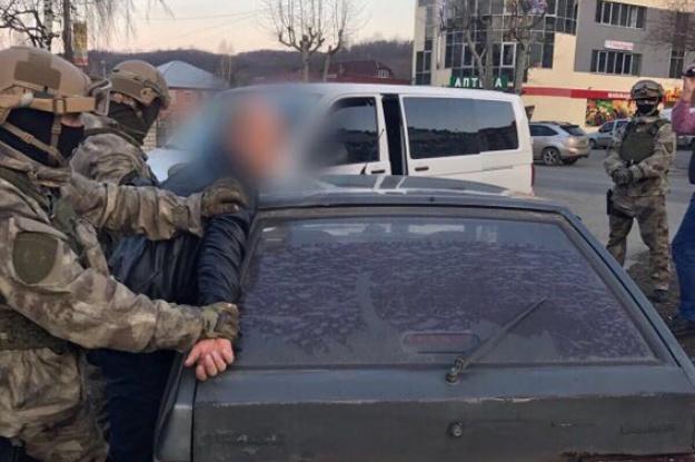 За решетку его!!! На взятке поймали скандального чиновника, такие суммы Януковичу даже не снились