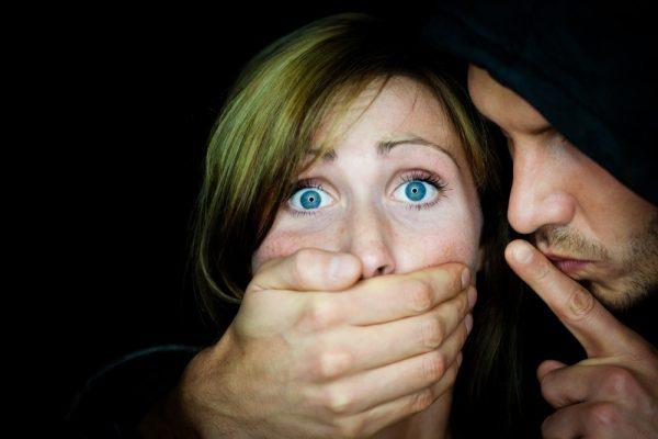 Неслыханный случай! Как экс-зэк изнасиловал молодую девушку и после… От деталей мурашки по телу!