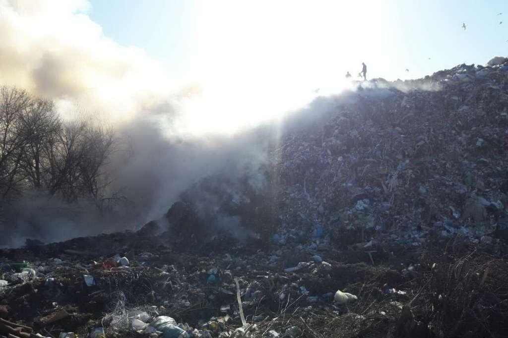 СРОЧНО! Под Харьковом крупный пожар на мусорной свалке. Последствия катастрофические!