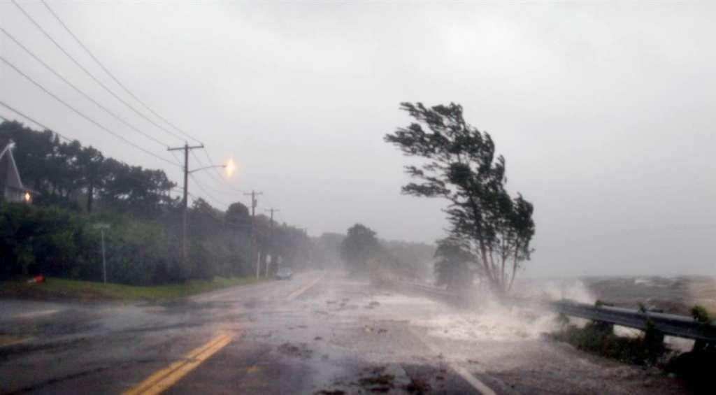 СРОЧНО!!! Столицу накрыл страшный ураган, который все рушит, погибли 11 человек