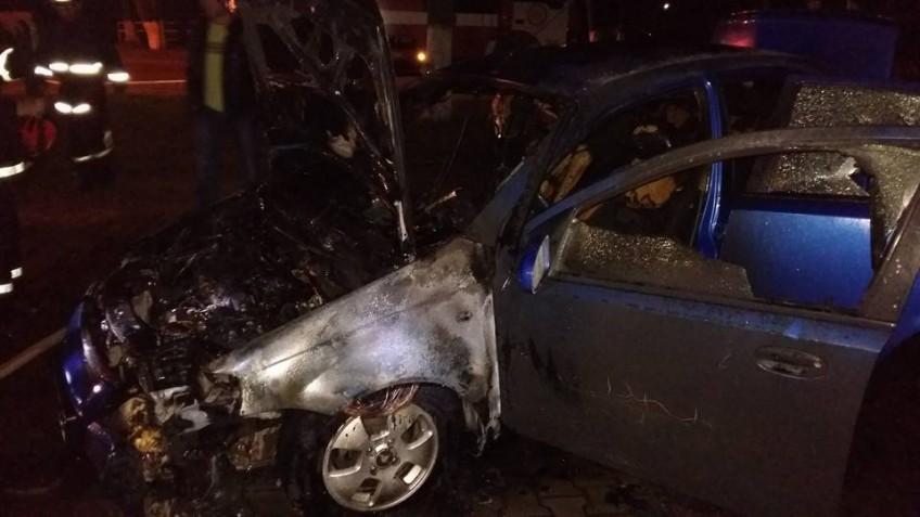 Это просто ужас!!! При загадочных обстоятельствах в Белой Церкви сгорел автомобиль, вы только посмотрите на эти фото