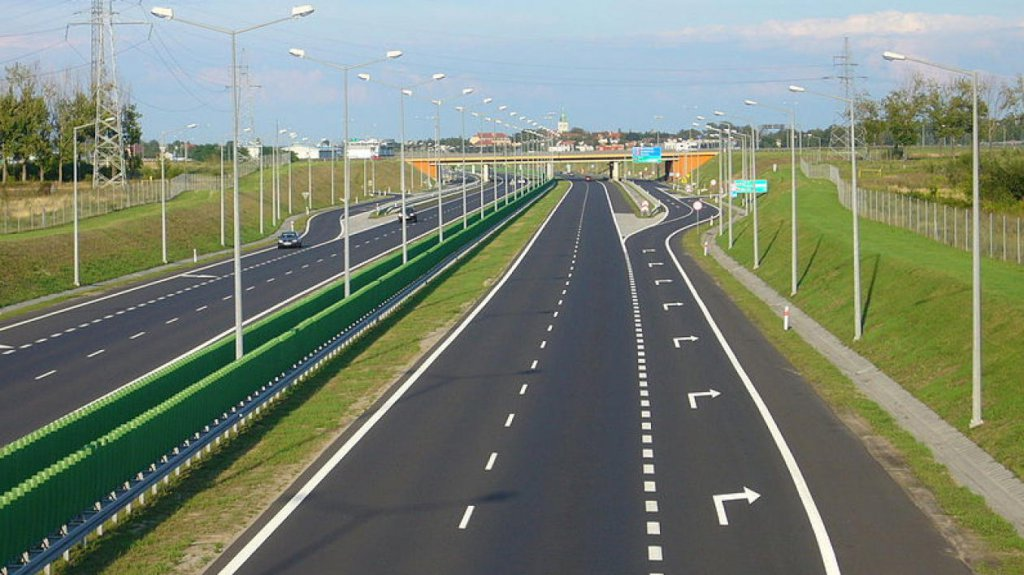 Вы это уже знаете? Стало известно, где построят платные автомагистрали