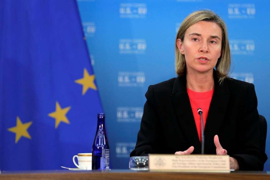 ФАКТ: Могерини пообещала, что через несколько дней упростят визовый режим для Украины