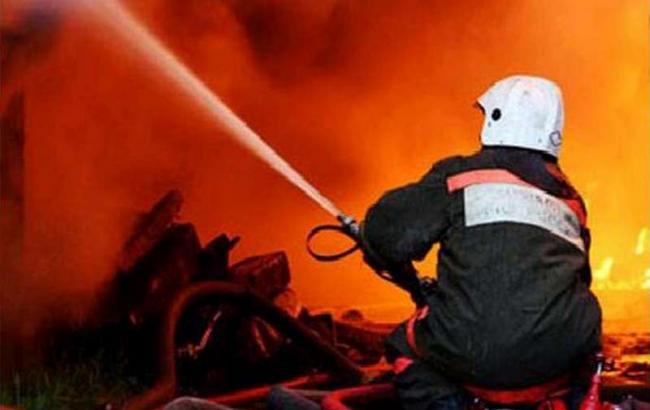 СРОЧНО!!! Масштабный пожар охватил жилой дом (ВИДЕО)