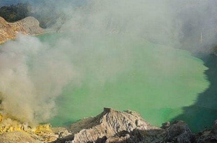 МАКСИМАЛЬНЫЙ РЕПОСТ!!! В Украине СТРАШНАЯ экологическая катастрофа: образовалось огромное «химическое» озеро (ФОТО)