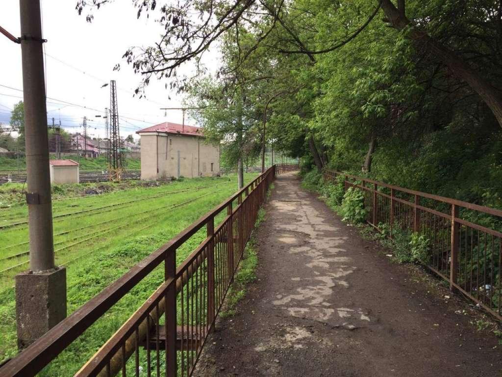 Неслыханный случай во Львове: Мужчина повесился прямо на улице