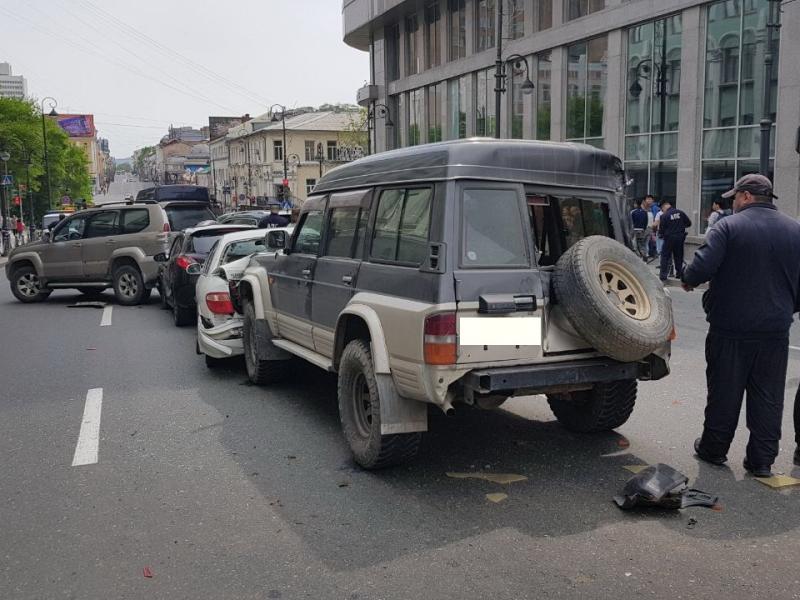 Масштабное ДТП в большом городе! Столкнулись более 20 автомобилей! Среди пострадавших дети!