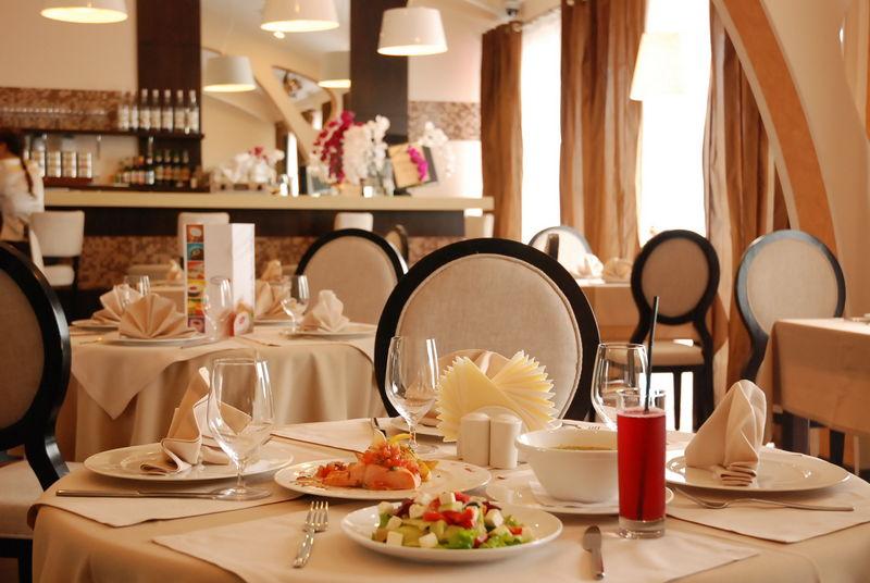 СКАНДАЛ!!! В известном киевском ресторане предлагают посидеть в ВК, когда вы узнаете, кому он принадлежит, то точно упадете