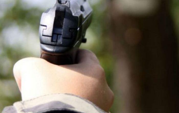 Срочно! Стрельба! Полиция проводит спецоперацию по задержанию сверхопасных преступников
