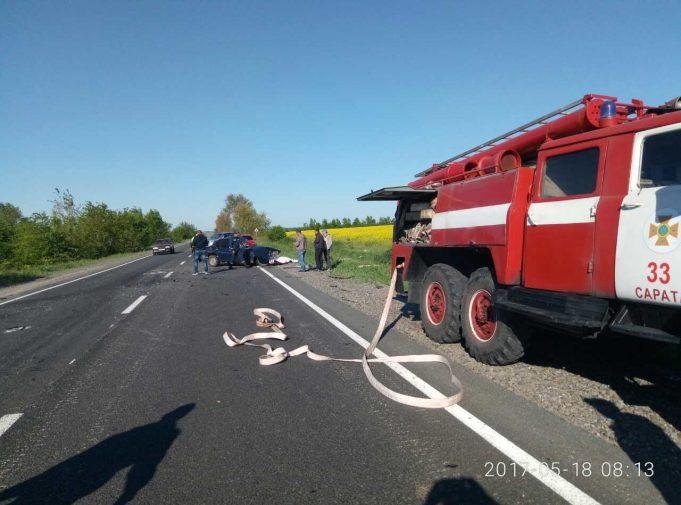 Ужасное ДТП в Одессе: Труп мужчины вырезали из машины (ФОТО)