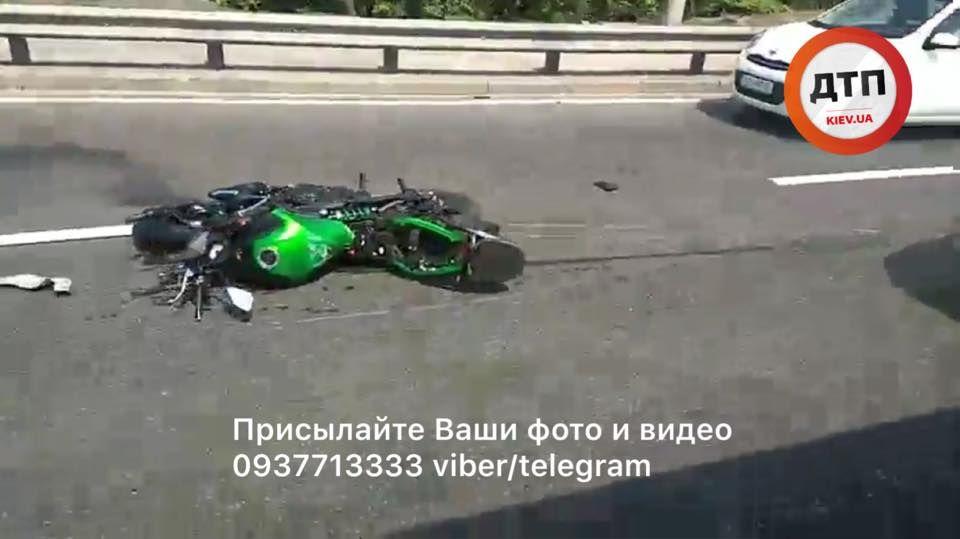Видео, которое нельзя смотреть без ужаса! Видео гибели байкера на мосту в Киеве(ВИДЕО 18+)