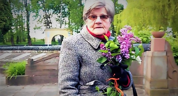 «Я вас всех ненавижу»: женщина с «георгиевской лентой» во Львове назвала воинов АТО «убийцами»