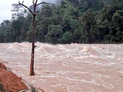 Страшные наводнения и оползни унесли жизни 169 человек (шокирующие кадры)